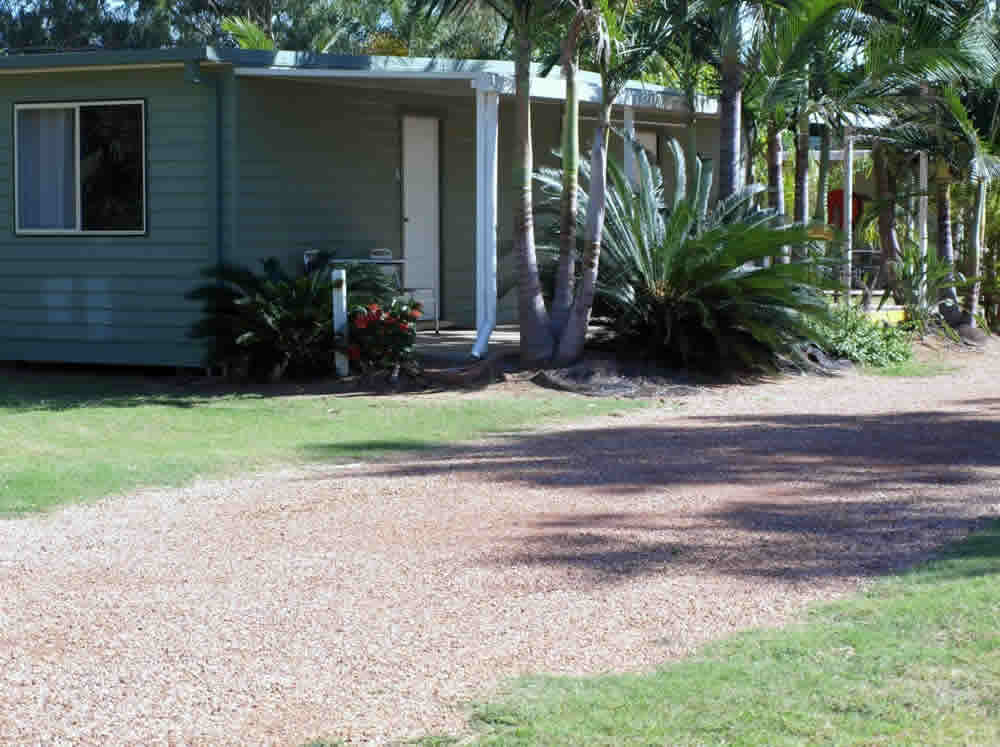 Ensuite cabin at Barcaldine Tourist Park