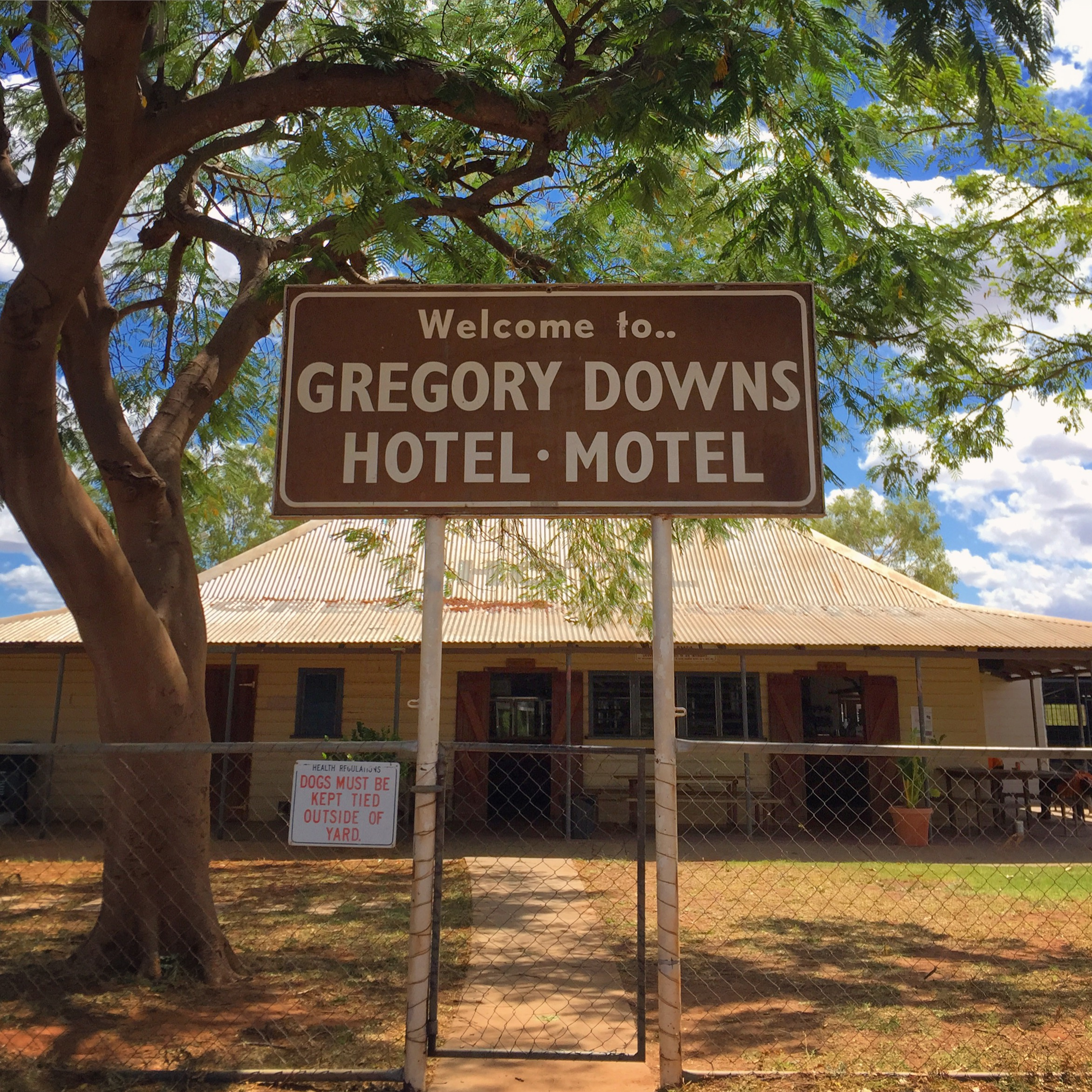 Gregory Downs Hotel by @rikerama