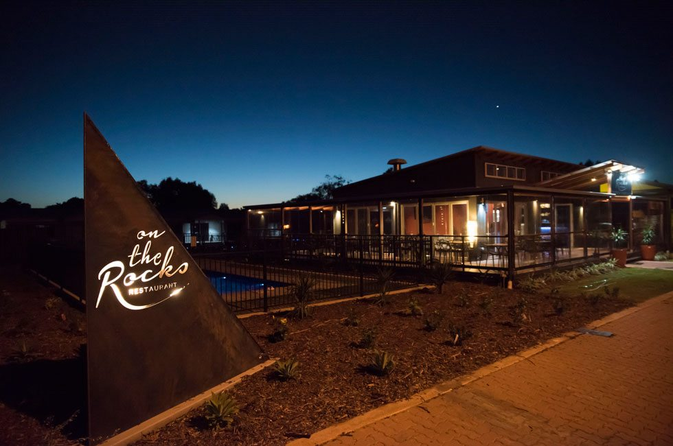 PNL_Signs-and-restaurant_980px