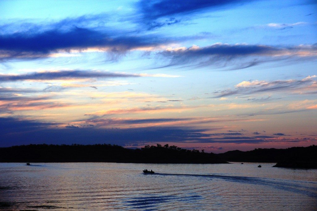 sunset-over-lake-moondarra-min