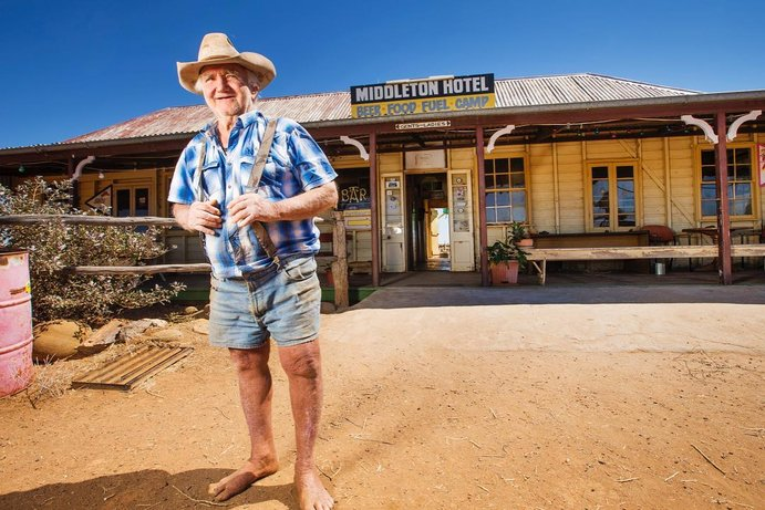 Middleton Pub | How to tackle the Outback Way
