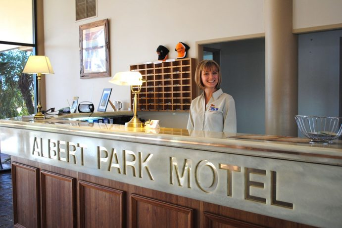 Albert Park Motor Inn | 48 Hours in Longreach