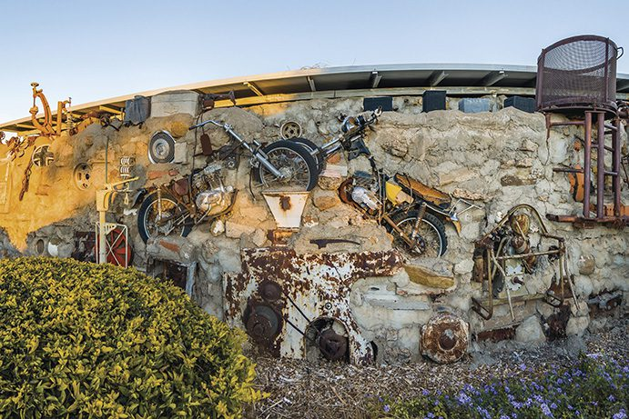 Arno's Wall | Galleries & public art in the outback